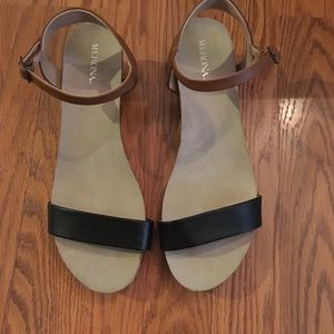 "Man made trendy 1"" wedge sandals"